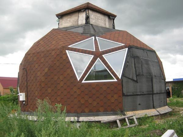 Пятиугольное окно