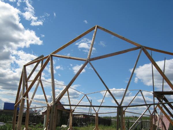 Один из пятиугольников